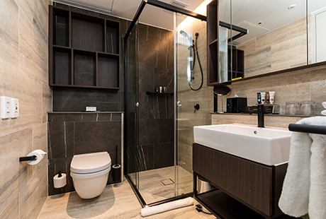 Lyndhurst Delux Suite - Shared Bathroom